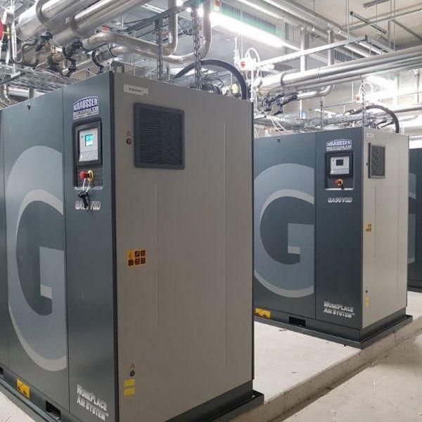 3 St. Schraubenkompressoren GA 90 VSD wassergekühlt